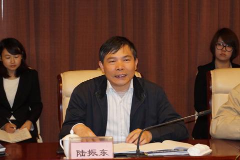 苏州市环保局副局长陆振东致辞